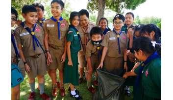 ลูกเสือเนตรนารีบำเพ็ญประโยชน์-โรงเรียนดรุณากาญจนบุรี