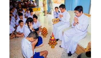 ไหว้ครูปีการศึกษา-๒๕๖๑-โรงเรียนดรุณากาญจนบุรี