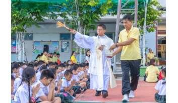 ขอพรพระเปิดปีการศึกษา-2562-โรงเรียนดรุณากาญจนบุรี